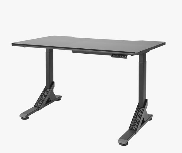 Игровой стол меняет высоту стола и наклон столешницы с помощью специального пульта управления. Кроме стола, в этой коллекции можно найти ящик на колесиках.
